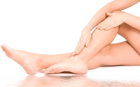 mi okozza a visszérgyulladást egy fiatal lánynál párnák a lábakon a visszerekből