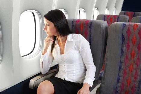 visszeres repülőgépen repül